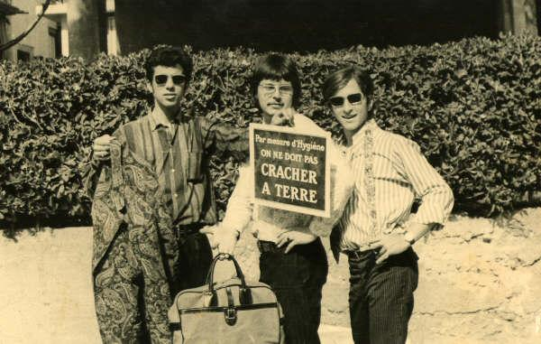 L-R Selwyn Lifschits, Robb Huxley, Haim Romano outside of the flat on Sokolov Street.
