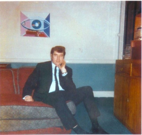 Photo of Joe in his lounge - courtesy and copyright of David Peters